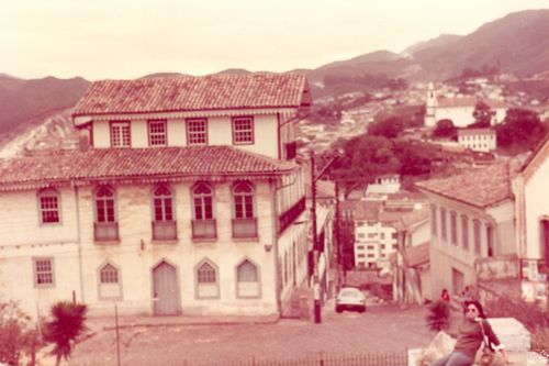 1984_ouro preto_vista da igreja ns do carmo