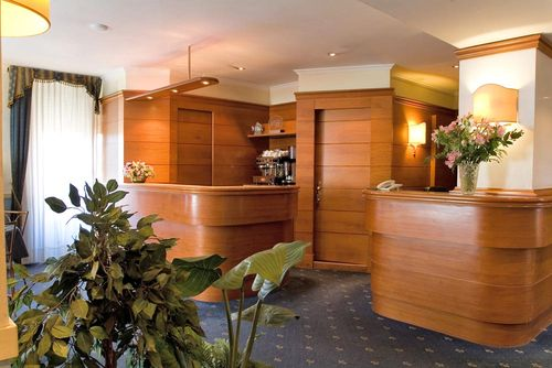 image from www.hotellauraroma.it