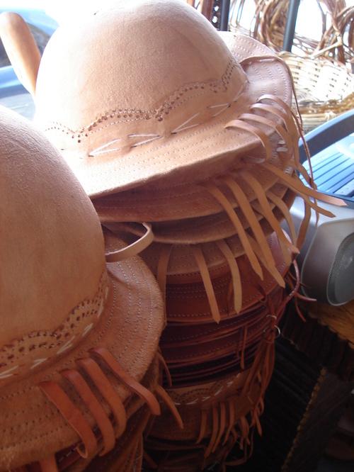 Chapéus de couro